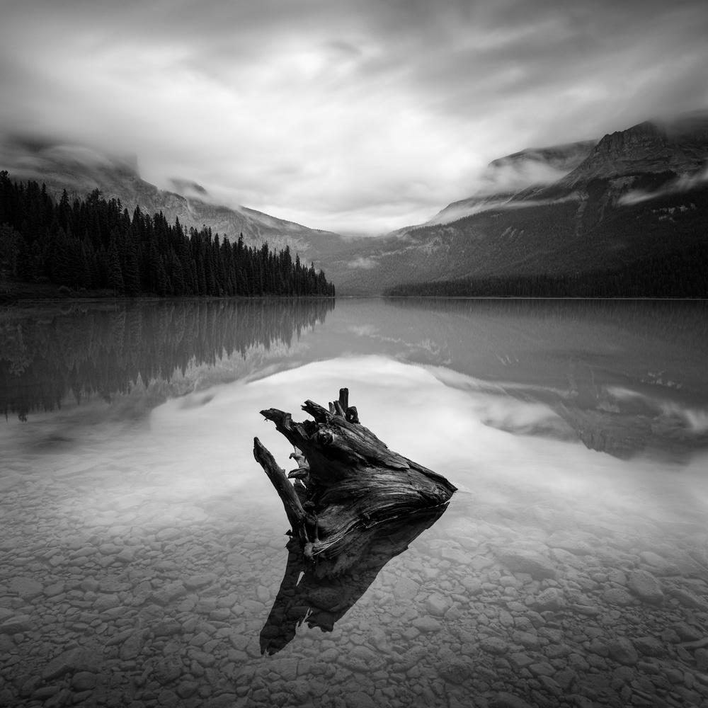 دریاچه اسرار از مارتین راک