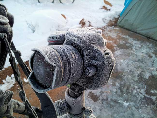 دوربین نیکون کاملا یخ زده!